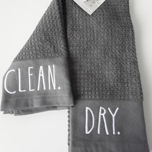 NWT Rae Dunn kitchen towels set of 2